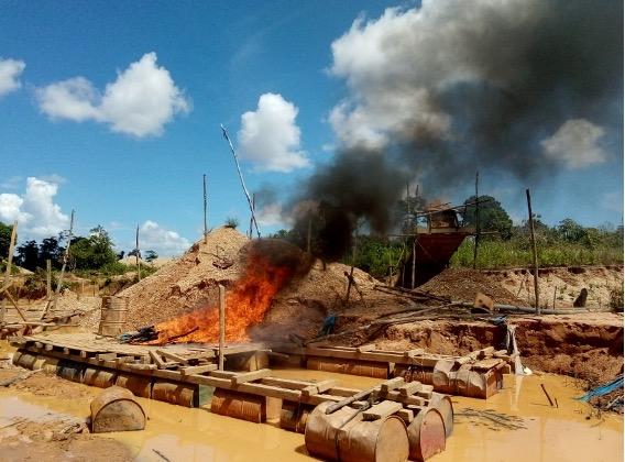 Comuneros y vigilantes de San José de Karene desalojan a mineros ilegales de su territorio