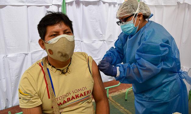 Indígenas residentes en Puerto Maldonado reciben vacuna contra COVID-19