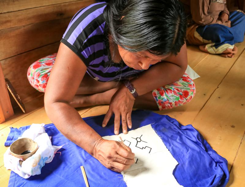 Arte Yine de la comunidad nativa Diamante