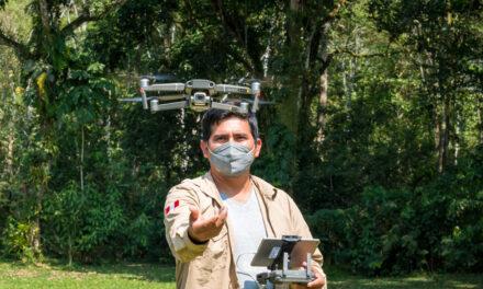 Técnicos y especialistas de Amarakaeri culminan curso sobre herramientas tecnológicas con entrenamiento de drone VTOL